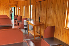 一辆老铁路汽车的内部 新西伯利亚博物馆  图库摄影