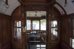 一辆老/vintage电车的内部在波尔图-葡萄牙 免版税库存图片