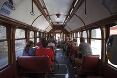 一辆老/vintage电车的内部在波尔图-葡萄牙 免版税图库摄影