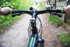 一辆自行车的人就象 图库摄影