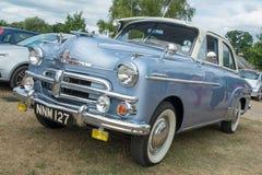 一辆蓝色Vauxhall双足飞龙经典之作汽车 免版税库存图片