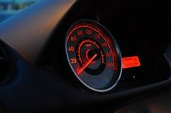 一辆被停止的汽车的车速表 免版税库存照片