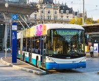 一辆赫斯无轨电车在市卢赛恩,瑞士 免版税库存照片