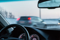 从一辆移动的汽车的看法 免版税库存图片