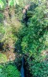 一道喜马拉雅范围河峡谷在加德满都尼泊尔 免版税库存照片
