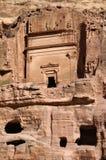 一部分的与一个古老宗教结构的岩石 免版税库存图片
