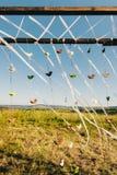 一部分的与origami鸟的婚礼曲拱 图库摄影