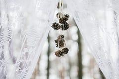 一部分的冬天婚礼曲拱 免版税图库摄影