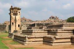 一部分的大象槽枥联合国科教文组织世界遗产在亨比,卡纳塔克邦,印度 图库摄影