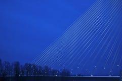 一部分的新的贝尔格莱德最大的桥梁的建筑 免版税库存图片