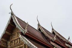 一部分的泰国寺庙屋顶 库存图片