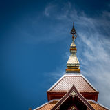 一部分的泰国寺庙屋顶 免版税库存图片