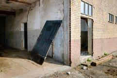 一部分的谷仓不久之前爆破的门面 免版税库存图片