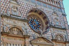 一部分的从大教堂圣玛丽亚Maggiore,贝加莫, Ital的门面 免版税库存照片