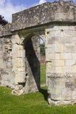 一部分的the13th世纪Titchfield的,费勒姆托特Titchfield修道院古老废墟在汉普郡在S的新的森林里 免版税图库摄影