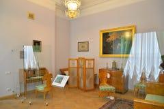 一间卧室的男性一半的内部在Gatchina宫殿 库存照片