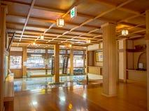 一间屋子的室内看法有一个木地板的,报道用榻榻米垫在京都,日本 库存图片