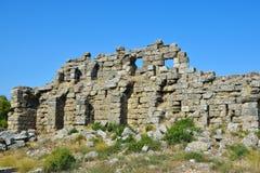 一面古城的废墟 免版税库存图片