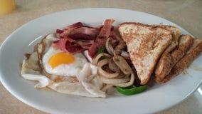 一顿典型的美国早餐 图库摄影