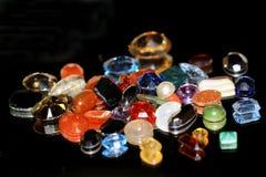 一颗美好的宝石、珠宝或者一块珍贵或次贵重的石头 库存图片