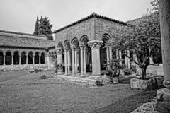 一间修道院的庭院在意大利 库存照片