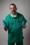一年轻医师呼喊的画象 免版税库存图片