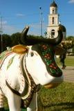 一头母牛的雕象的看法从母牛节日的  免版税库存图片