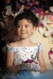 一件淡蓝的舞会礼服的女孩 库存照片