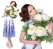 一件礼服的妇女有样式gzhel的 免版税库存照片