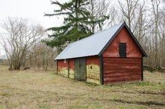 一间老红色附属建筑 库存照片