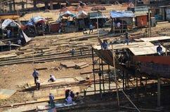 一间造船厂的轻率冒险在达卡,孟加拉国 免版税库存照片
