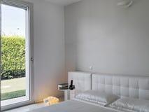 一间mdern卧室的Nterior视图 库存图片