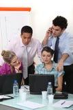 一businessteam在工作。 免版税库存图片