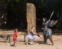 一fairie和两个小孩子公平的新生的 免版税库存照片