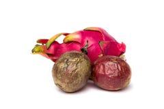 一pitahaya和两passionfruit 图库摄影