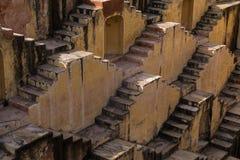 一stepwell或baori的台阶,在印度 免版税库存照片