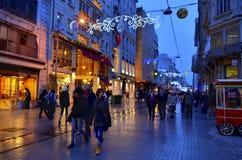 一Turkey' s多数著名街道Istiklal街 库存图片