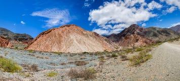 七座颜色山在Purmamarca,阿根廷 库存照片