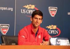 七次在新闻招待会期间的全垒打冠军诺瓦克・乔科维奇在比利・简・金国家网球中心 免版税库存照片