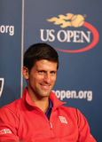 七次在新闻招待会期间的全垒打冠军诺瓦克・乔科维奇在比利・简・金国家网球中心 库存照片