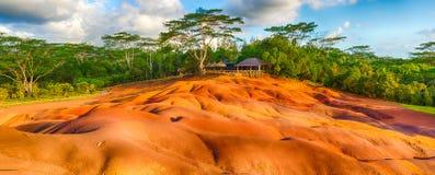 七种颜色地球 美好的横向 毛里求斯 全景 库存照片