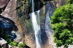 七维尔斯瀑布在热带海岛凌家卫岛,马来西亚上的密林 免版税库存照片