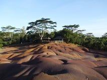 七色的地球在Chamarel,毛里求斯 库存图片