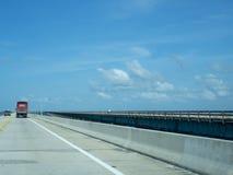 七英里桥梁,向基韦斯特岛 免版税库存图片