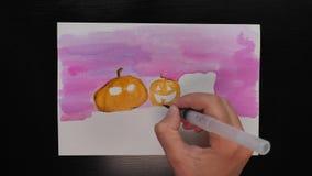 万圣夜不同的颜色生动描述与¨Happy Helloween¨ wihses的图画  股票视频