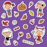 万圣夜小孩和糖果贴纸集合 免版税库存图片