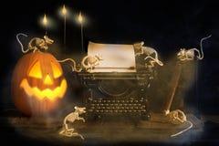 万圣夜杰克O灯笼和老鼠 免版税图库摄影