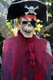 万圣夜海盗骨骼 库存图片