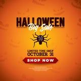 万圣夜销售与蜘蛛的传染媒介在橙色可怕面孔背景的例证和字法 提议的,优惠券设计 皇族释放例证