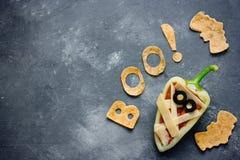万圣夜食物背景妈咪胡椒粉原料和棒玉米粉薄烙饼 库存图片